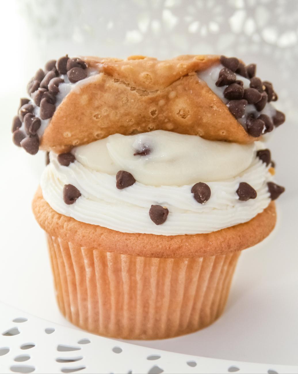 Holy Cannoli Cupcake