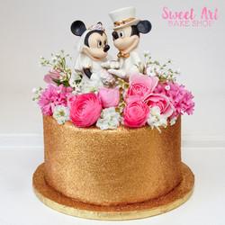 Gold Sparkle Cake