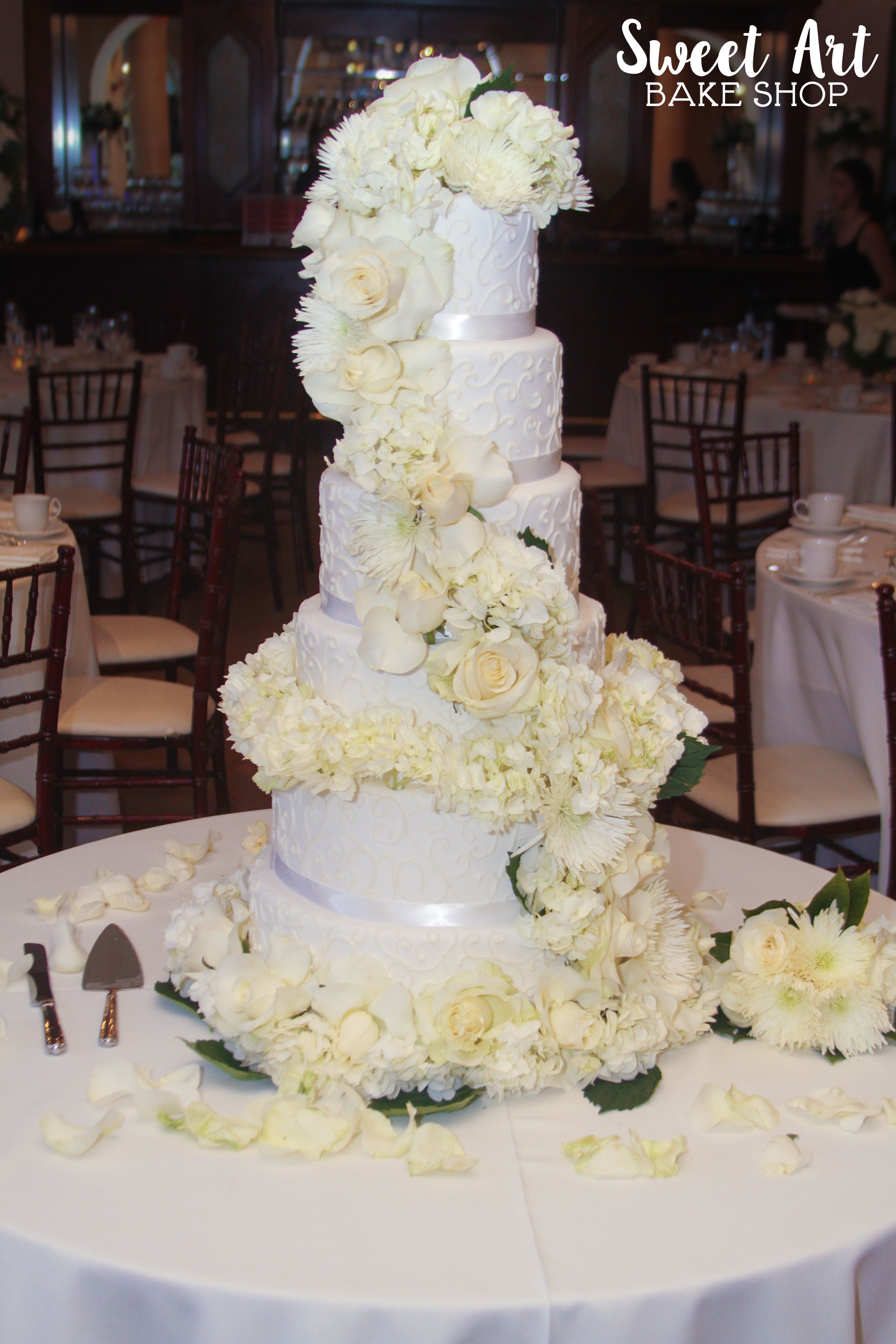 Swirly Floral Wedding Cake