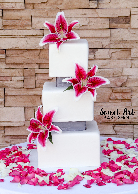 Stargazer Lily Square Cake