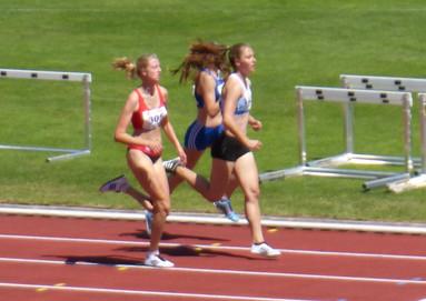 Starke 800m-Läuferinnen - Sophie mit Bestzeit