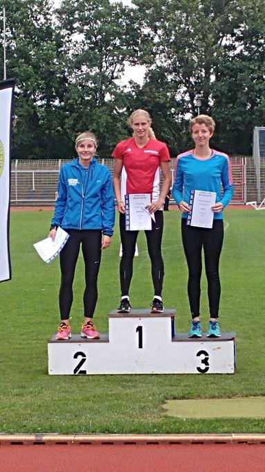Tina Böhm rennt 400m Hürden in 59,85 sec: Vize-Norddeutschemeisterin und Stadtrekord