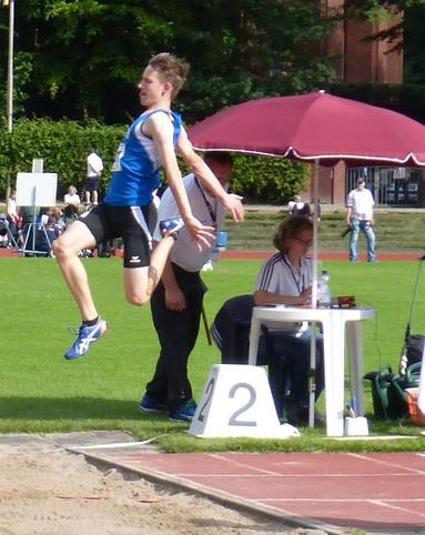 Zwei Vereinsrekorde und ein Sprung über 6 Meter
