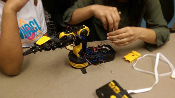 Robotic Arm4