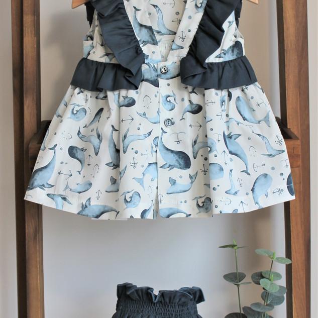 Vestido e Tapa Fraldas Baleias – 30% desconto