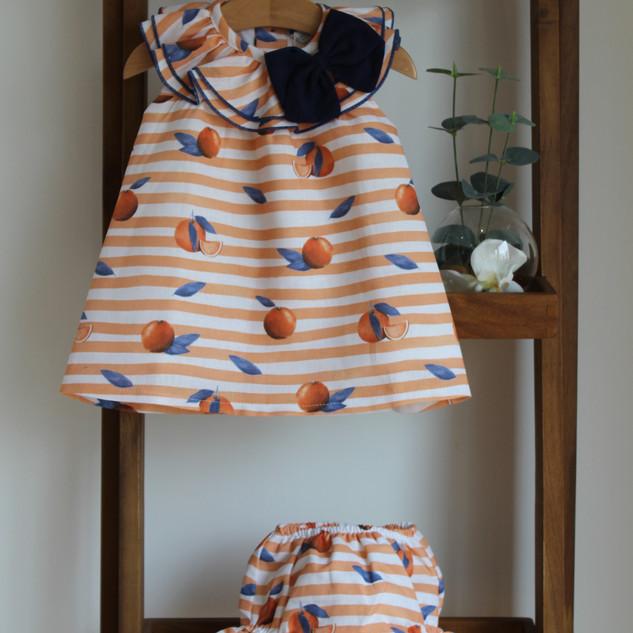 Vestido e Tapa Fraldas Laranjas – 30% desconto