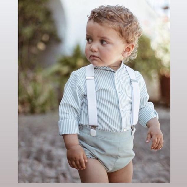 Conj. Calção/camisa branco e azul água com suspensórios – 30% desconto