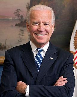 800px-Joe_Biden_official_portrait_2013_c