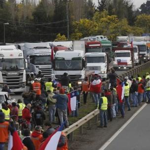 Camioneros se manifiestan contra el terrorismo