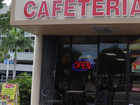 Cafetería chilena reparte comida en Miami