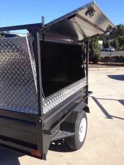 Tradesman-Trailer-with-aluminium-canopy-