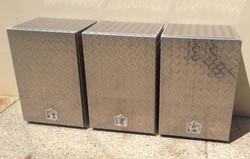 Aluminium-checker-plate-upright-toolboxe