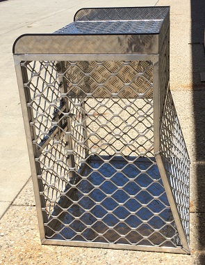 Custom-aluminium-dog-cage