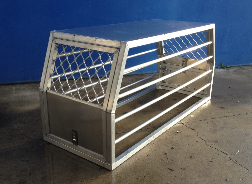 Aluminium-Dog-Box-1024x748