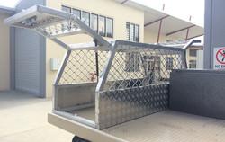Custom-aluminium-ute-dog-box