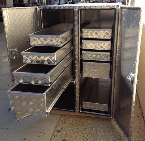 Custom-aluminium-truck-9-drawer-tool-box
