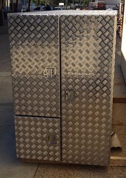 Custom-aluminium-3-door-truck-tool-box