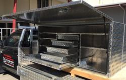 Custom-Aluminium-tool-box-with-lockable-