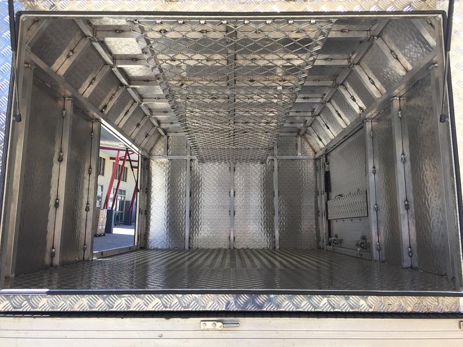Inside-Custom-Aluminium-3dr-Canopy