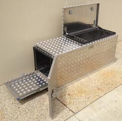 Custom-aluminium-caravan-nose-cone-box