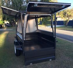 Aluminium-trailer-canopy-with-rear-door.