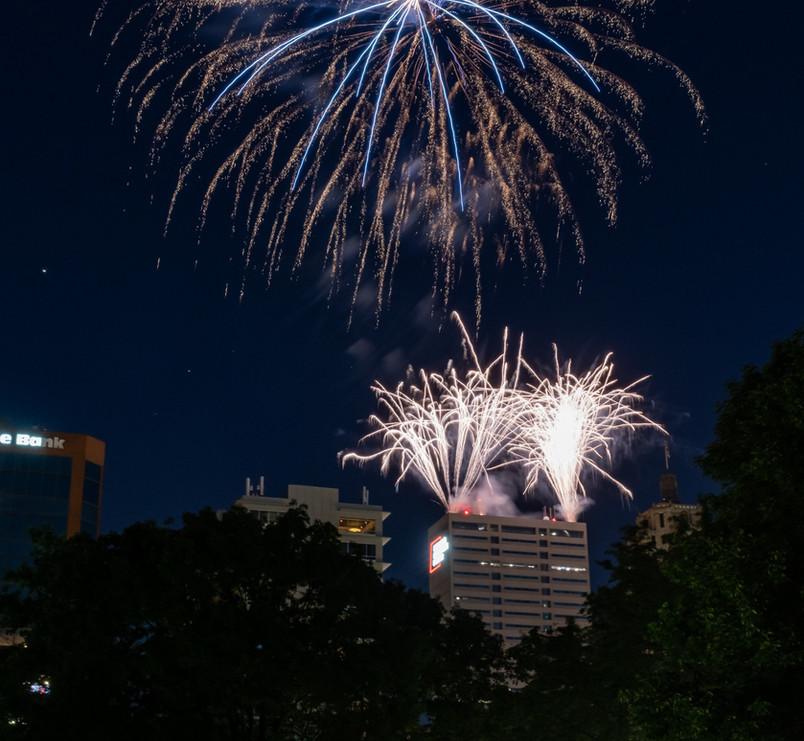Fireworks%20Finale_edited.jpg