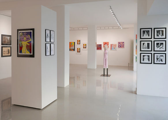 Exhibition View Marking Territory