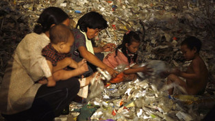 Film Review: PLASTIC CHINA – Mountains of plastic