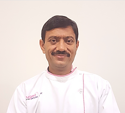 Dr Rakesh Thaper_dental implant dentist.