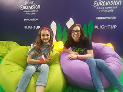 Jesc 2018 |  Angélina From France Teaches Jess From Eurovoxx To Dance