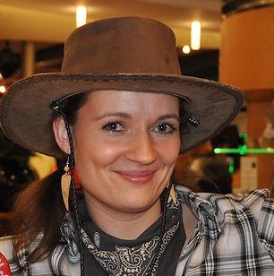 Steffi-cowgirl.JPG