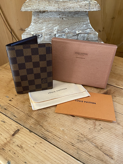 Louis Vuitton Passport Cover - Damier Ebene