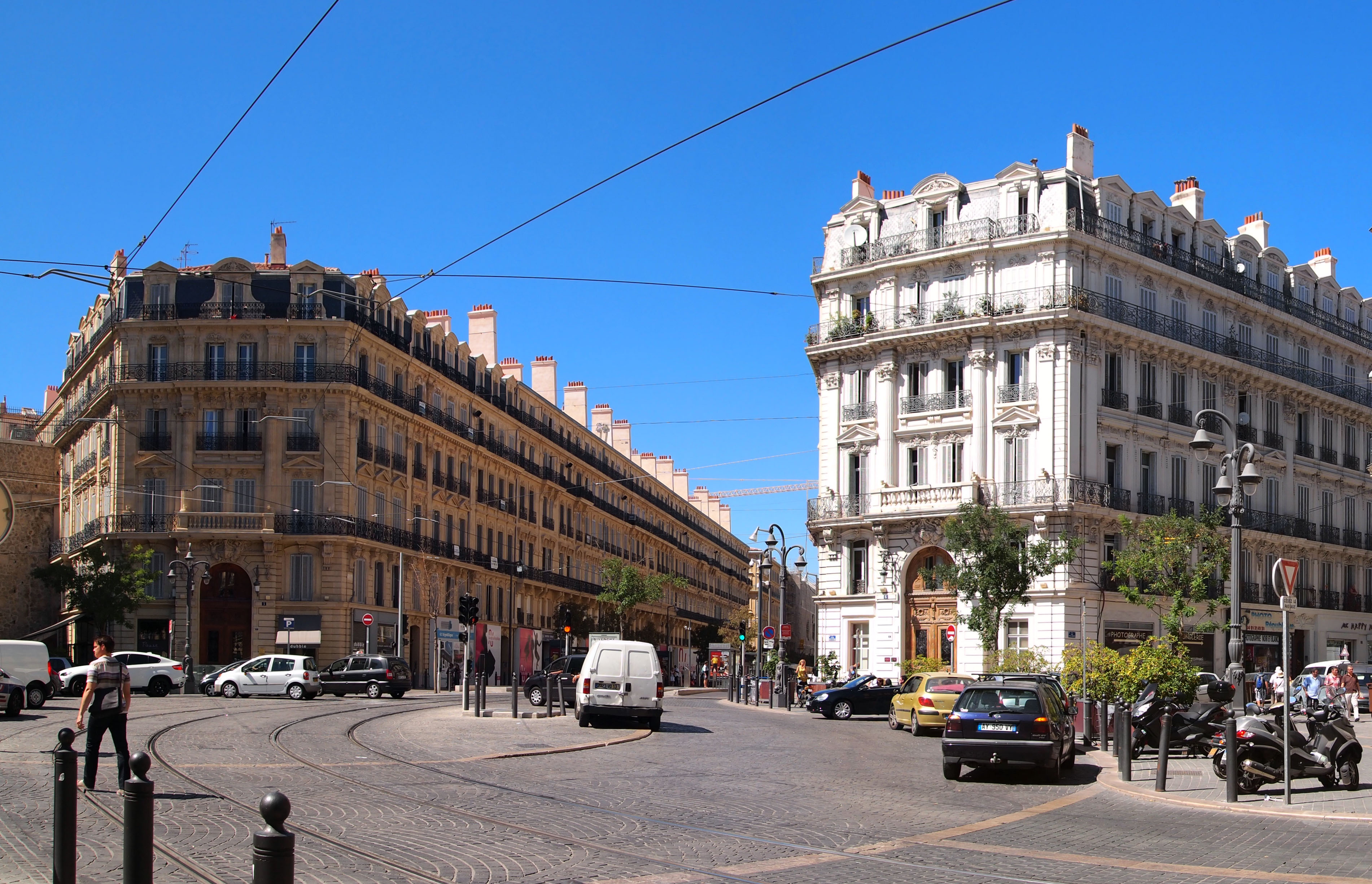 Marseille_-_Place_Sadi-Carnot.jpg