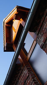menuisier Sréphane Dupré. Escalier parquet porte portail porte cochère fenêtre de bois de style volets persiennes meubles cuisine salle de bain dressing tout agencement aménagement ameublement