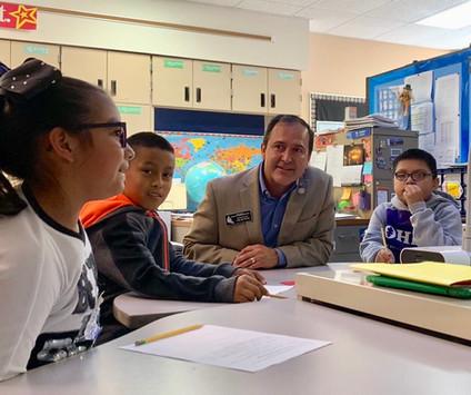 kids classroom Latino elem students oak
