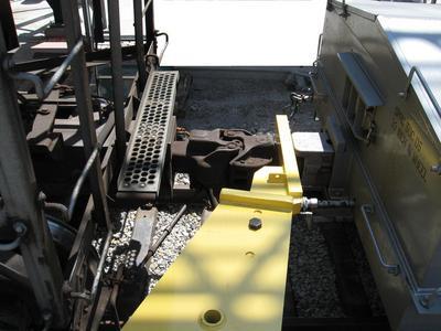 Calbrandt-Heavy-Duty-Coupler-Arm-on-Rail