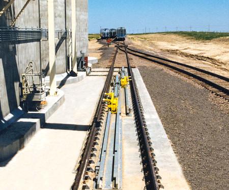 Calbrandt-Axle-Railcar-Mover-Progressor.