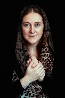 Praying woman.jpg