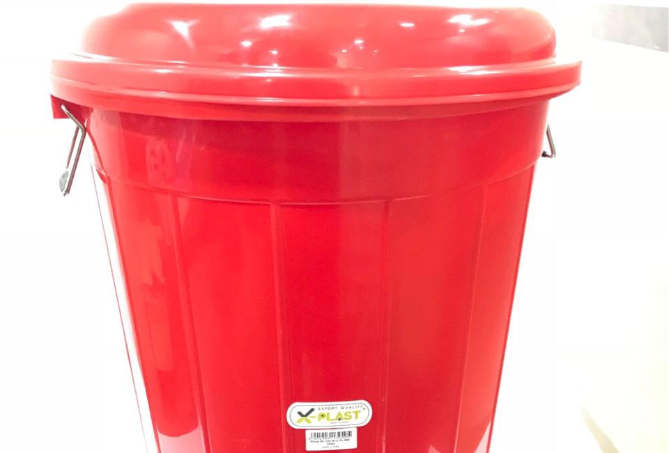 X PLAST DRUM BUCKET 100 LTR WITH LID (PL) 3940