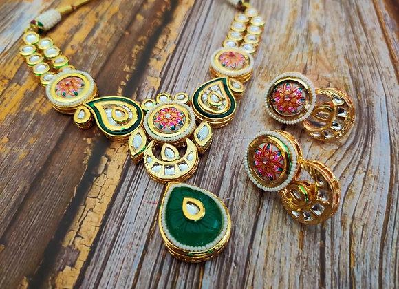Elegant Kundan Necklace