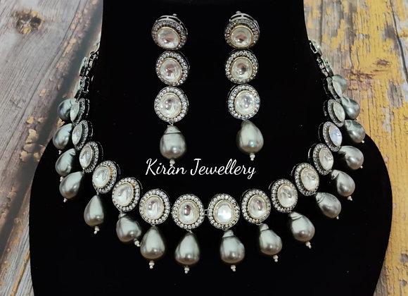 Baroque Pearl Kundan Necklace