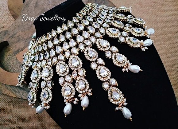 Lovely Necklace With Earrings Mangtikka