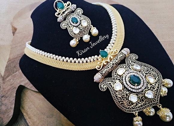 Green Color Royal Pendant Set