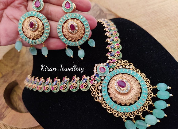 Stylish Necklace in Lovely Colors