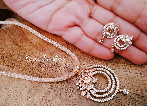 Beautiful Rosegold Pendant With Chain