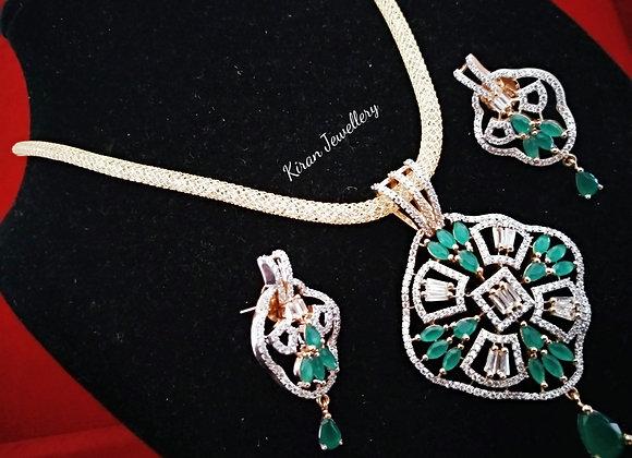 Elegant Green Stones Pendant Set