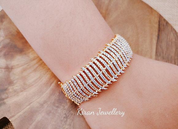 Simple and Stylish AD Bracelet