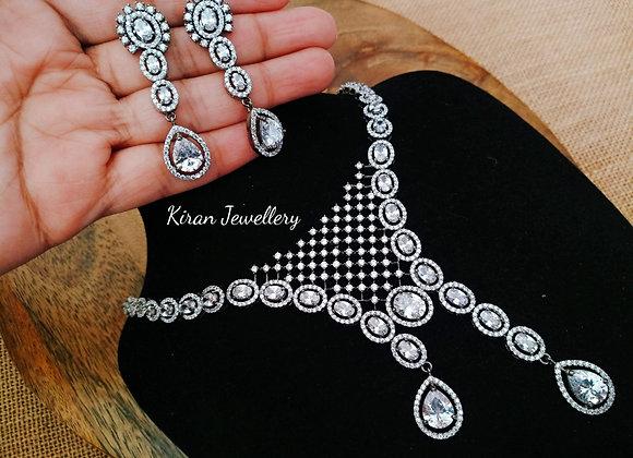 Black Polish Stylish Necklace Set