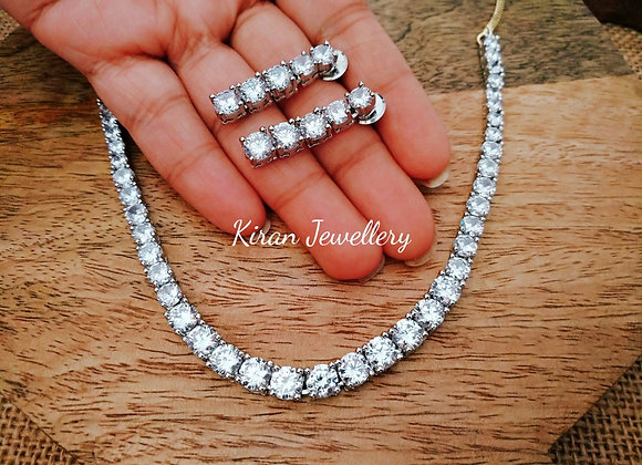 Solitaire Necklace in White Polish