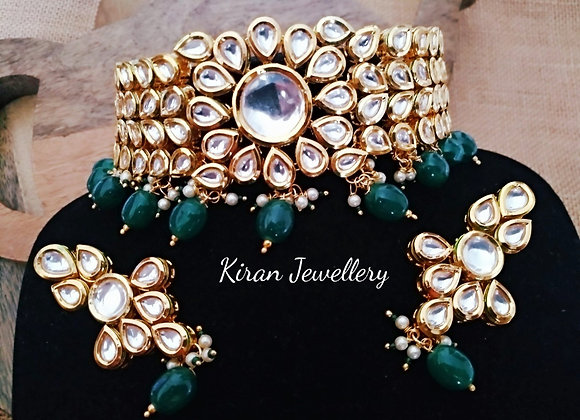 Kundan Choker Necklace In Green Color